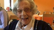 Γυναίκα 104 ετών Αποκάλυψε ότι η τελευταία της επιθυμία είναι να τη συλλάβουν!