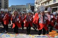 Το Καρναβάλι της Πάτρας θέλει σερβίτσια και έχει και βίτσια (pics)