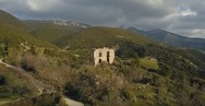 Ο πύργος του Ρούφου έξω από την Πάτρα, στους πρόποδες του Παναχαϊκού (video)