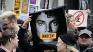 Οι θαυμαστές του Michael Jackson μήνυσαν τα... θύματά του στο «Leaving Neverland»!
