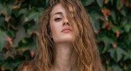 Η Άννα Τσακουρίδου έκανε ηλεκτροκόλληση για το videoclip της Τάμτα