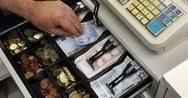 Πάτρα: Είχε 'έφεση' σε καταστήματα και γραφεία - Άρπαζε χρήματα από τις ταμειακές