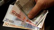 Πότε θα πληρωθεί το Κοινωνικό Εισόδημα Αλληλεγγύης