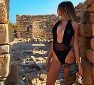Η Ελεάννα Παλαιολόγου δοκιμάζει τις αντοχές μας στο instagram (pics)