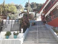 Η γειτονιά στις σκάλες της Καραϊσκάκη, με άρωμα παλιάς Πάτρας (φωτο)
