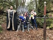 Game of Thrones: Παγκόσμιο κυνήγι θησαυρού για έξι 'σιδερένιους θρόνους' (φωτο)