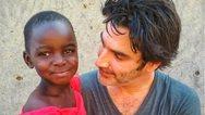 Ο Παπακαλιάτης περιγράφει τις εμπειρίες που βίωσε στην Γκάνα και το Νεπάλ
