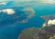 O Πατραϊκός Κόλπος κλείνεται σε μια υπέροχη αεροφωτογραφία!