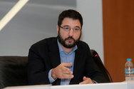 Ο Νάσος Ηλιόπουλος παρενέβη για τον δημόσιο θηλασμό στην Αθήνα