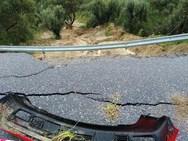 Σοκάρουν οι εικόνες από την καθίζηση δρόμου στην Κρήτη