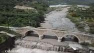 Η ιστορική γέφυρα στην Ιεράπετρα, που κινδύνευσε από την κακοκαιρία, από ψηλά (video)