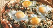 Συνταγή για χωριάτικο ψωμί στο φούρνο με σπανάκι και αυγά