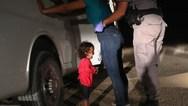 Το στιγμιότυπο με τη μικρή Γιανέλα που κλαίει, βραβεύτηκε ως η ''φωτογραφία της χρονιάς''