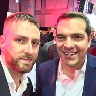 Η selfie του Τζέισον Αντιγόνη με τον Αλέξη Τσίπρα