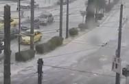 «Έστρωσε» χαλάζι στο κέντρο της Αθήνας (video)