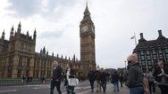 Βρετανία: Σε υψηλό δεκαετίας η αύξηση των μισθών