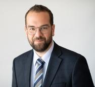 Νεκτάριος Φαρμάκης: 'Ο υπουργός των ανύπαρκτων έργων σε ένα ακόμα σόου'