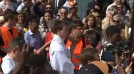Kατάνυξη στη λιτανεία του σταυρού στην Παναγία των Παρισίων (video)