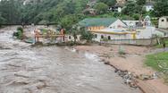 Φονικές πλημμύρες σαρώνουν τη Νότια Αφρική (video)