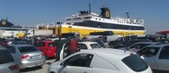 'Ουρές' στο λιμάνι της Κυλλήνης, 'βουλιάζει' η Κέρκυρα από τον κόσμο