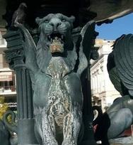 Τα συντριβάνια της πλατείας Γεωργίου της Πάτρας εκπέμπουν SOS (φωτο)