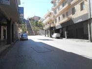 Άδειο το κέντρο της Πάτρας - Κλειστά τα μαγαζιά, 'ψυχή' στους δρόμους (φωτό)