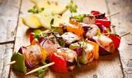 Σουβλάκια με γαρίδες, πιπεριές και ανανά