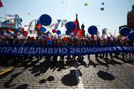 Στους δρόμους οι Ρώσοι για την Πρωτομαγιά