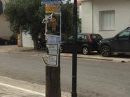Μεσσηνία: Γέμισαν με αφίσες του Παπαδόπουλου τους Γαργαλιάνους (φωτο)
