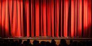 Πάτρα - Το Θέατρο Αγορά, ανεβάζει τη θεατρική παράσταση 'Η βεντάλια της λαίδης Γουίντερμιρ'!