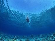 Μόνο για γενναίους το μπάνιο στη θάλασσα