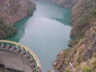 Φράγματα και τεχνητές λίμνες 'φρενάρουν' τα ποτάμια