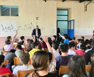 Ο Άγγελος Τσιγκρής μίλησε για τη σχολική βία στο 5ο Δημοτικό Σχολείο Αιγίου (φωτο)
