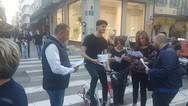 Πάτρα - Διανομή ενημερωτικού υλικού για τον Νίκο Τζανάκο με... ηλεκτρικά ποδήλατα! (φωτο)