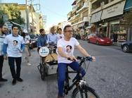Πάτρα: Κατέβηκε με το ποδήλατο την Ανθείας ο Νίκος Νικολόπουλος