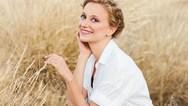 H Πατρινή ηθοποιός Λένα Δροσάκη σε δυο θεατρικές παραστάσεις, 'Όνειρο καλοκαιρινής νύχτας' και 'Έντα Γκάμπλερ'