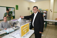 Πάτρα: Στο Στρούμπειο ψήφισε ο Κώστας Πελετίδης (φωτο)