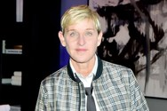 Ellen DeGeneres: Σοκάρουν οι λεπτομέρειες για τη σεξουαλική κακοποίηση που υπέστη από τον πατριό της