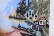 Άστεγος ζωγραφίζει με φύλλα δέντρων (video)