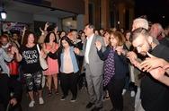 Πάτρα: Χόρεψε ποντιακά ο Κώστας Πελετίδης στους πανηγυρισμούς για τη νίκη του (pics+vids)