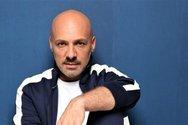 Άφωνος έμεινε ο Νίκος Μουτσινάς με τηλεφωνική παρέμβαση (video)