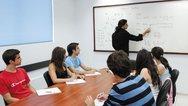 Πάτρα: Ο Δήμος τιμά τους εθελοντές, εκπαιδευτικούς του Λαϊκού Φροντιστηρίου Αλληλεγγύης