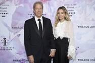 Σπάνια δημόσια εμφάνιση για τη Michelle Pfeiffer και το σύζυγό της (φωτο)