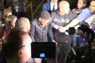 Στο αστυνομικό τμήμα με πατερίτσες και αναπηρικό αμαξίδιο ο Νεϊμάρ (video)