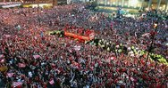 Η διαδρομή του πούλμαν της Λίβερπουλ με το τρόπαιο του Champions League (video)