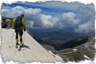 Σκι στο Χελμό αρχές Ιουνίου - Το τόλμησαν δύο φίλοι από την Αθήνα (pics)