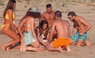 Η Έλενα Παπαρίζου δίνει το σύνθημα για «Καλοκαίρι και Πάθος» από την παραλία της Καλόγριας! (video)