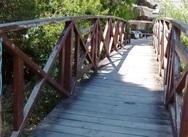 Πάτρα: Το γεφυράκι στην έξω Αγυιά γεννά κινδύνους (φωτο)
