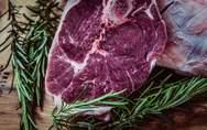 Μεγαλύτερος ο κίνδυνος πρόωρου θανάτου για όσους τρώνε περισσότερο κόκκινο κρέας