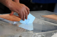 Παγώνουν οι προσλήψεις για τις εθνικές εκλογές